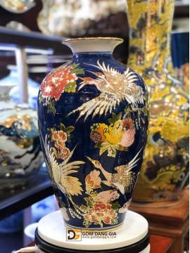 Bình hoa dáng vò vẽ vàng sen hạc.