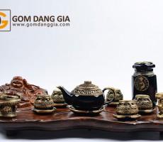Bộ trà Bát Tràng họa trống đồng bọc đồng